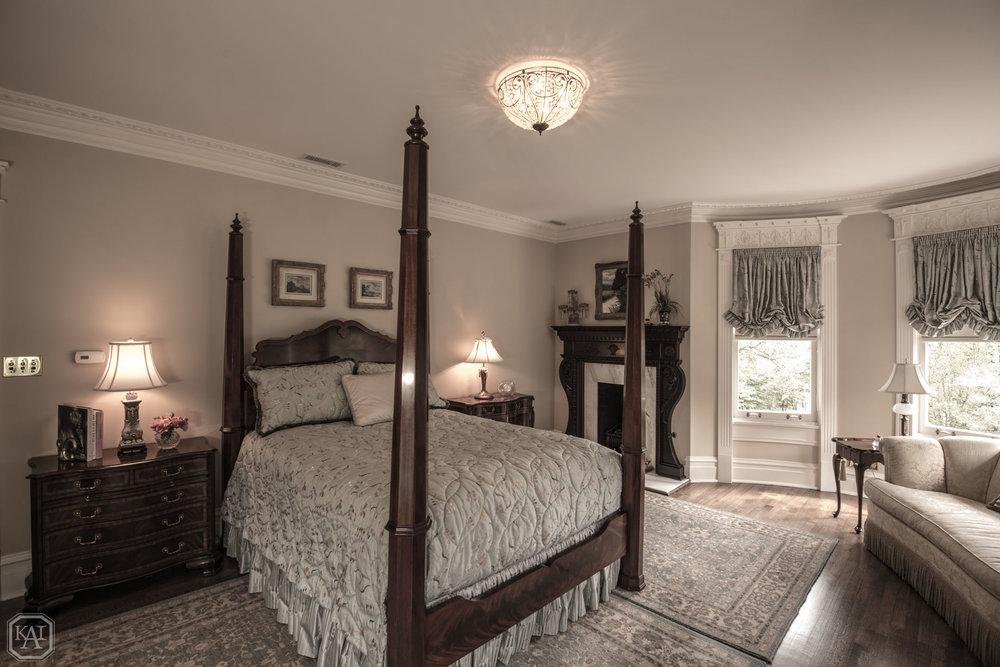 Master Bedroom 1_Victorian.jpg