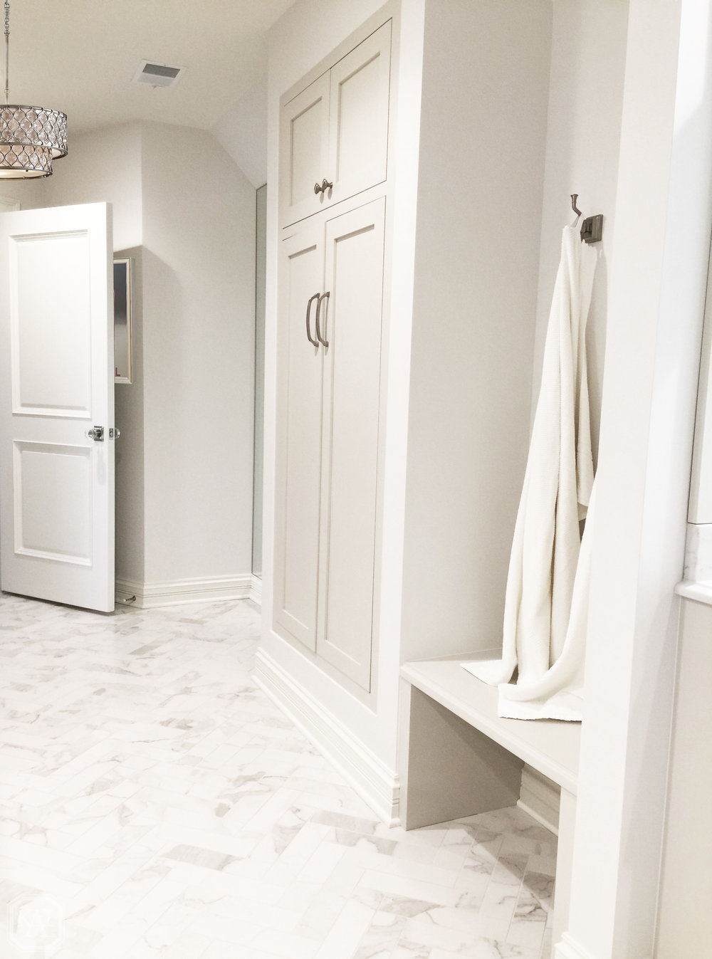 ZITELLA GIRLS BATHROOM LINEN CLOSET_1_FINAL EDIT.jpg