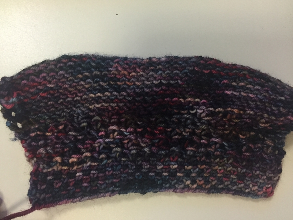 Bottom to top: linen stitch (RS), daisy stitch (WS), stockinette (WS), US 7 needle