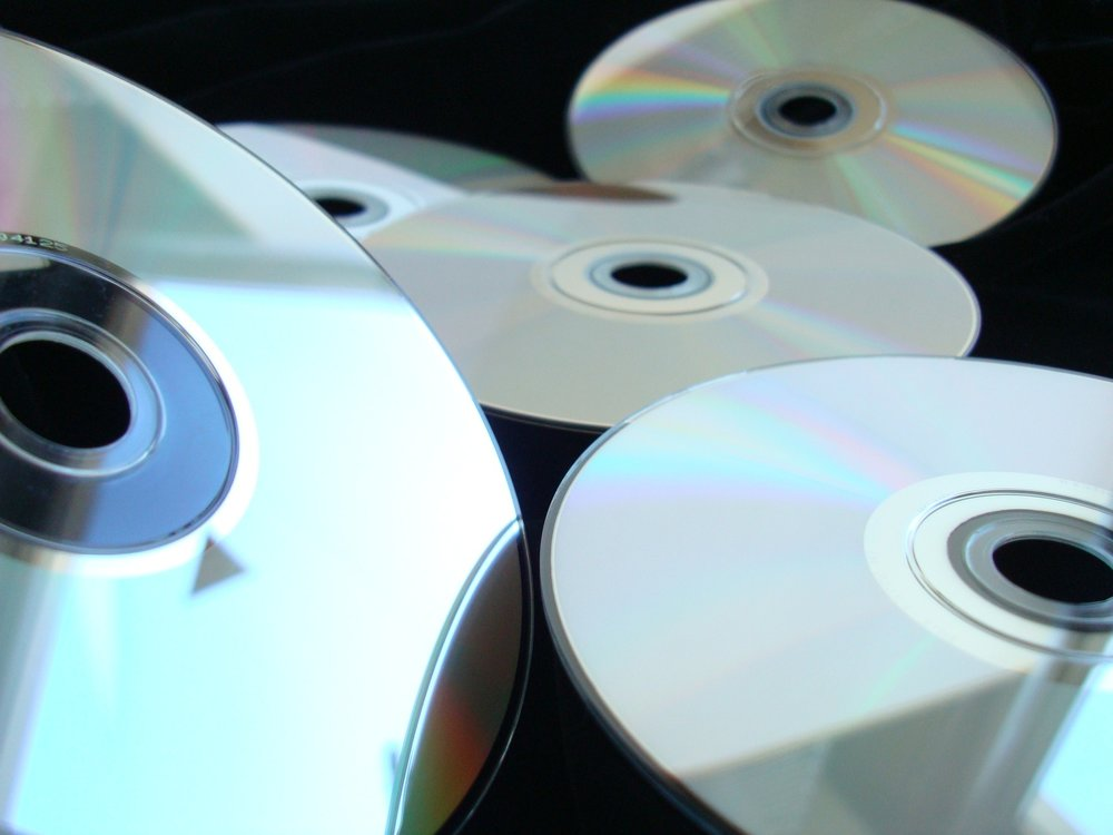 compact-disk-1108240_1920.jpg