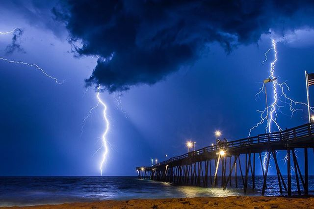 High Voltage #outerbanks #outerbanksnc #avalonpier #lightning #itsamazingoutthere #weather #stormchaser #summerstorm #teamcanon #canon_official