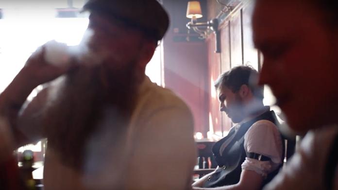 """Screenshot fra musikvideoen til """"Fuldmånens Sang"""" hvori jeg blev tilbudt at være statist. ☺"""