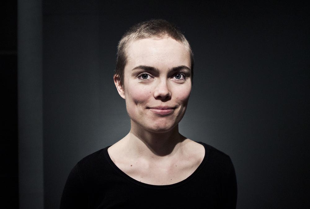 Portræt af Louise Haugaard Jørgensen | Foto af I DO ART Agency.