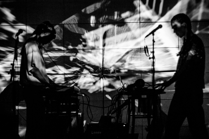 Visuals for Smerz | Foto af Kristin Wichstrøm.