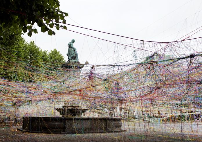 "Karoline H. Larsen ""Collective Strings/Jungle of Strings"" | Metropolis, 2015 | Fotos: Agnete Schlichtkrull & Karoline H. Larsen"