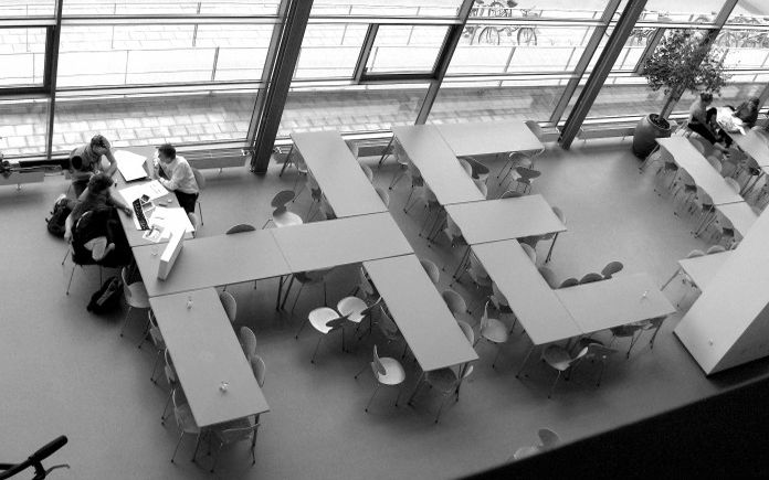 Designskolen Koldings kantine med Hej-bordopstilling.