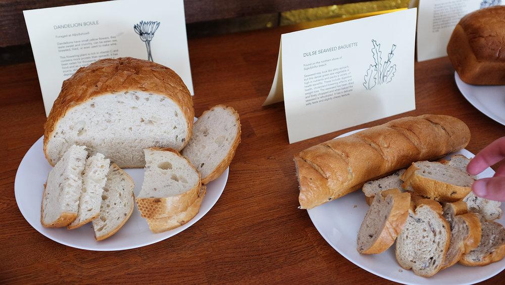 Staðbundið Brauð / Local Bread (2016): I samarbejde med det lokale bageri udviklede deltagere fire typer brød og kager tilsat lokale ingredienser.