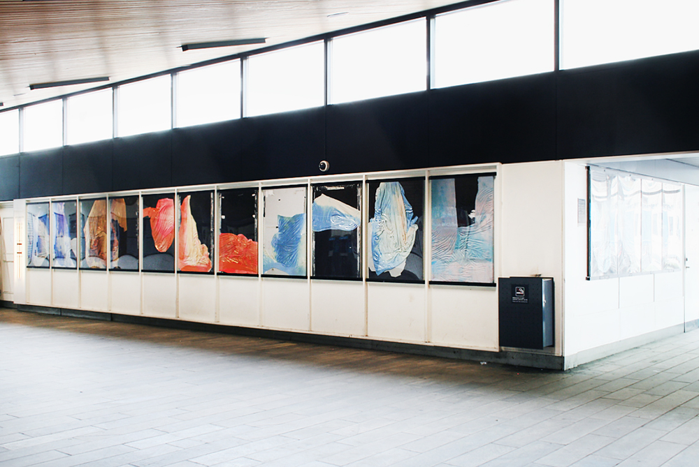"Udstillingsstedet Sydhavn Station   ""Exhibition Space Sydhavn Station is an artist-run space with a unique location in the previous ticket office and in 15 poster hangers at the S-train station of the South Harbour district in Copenhagen. It opened in the summer of 2012 by a group of Danish artists.""  Adresse: Ernst Kapers Vej 1, 2450 København SV. Links:  Sydhavnstation.info  