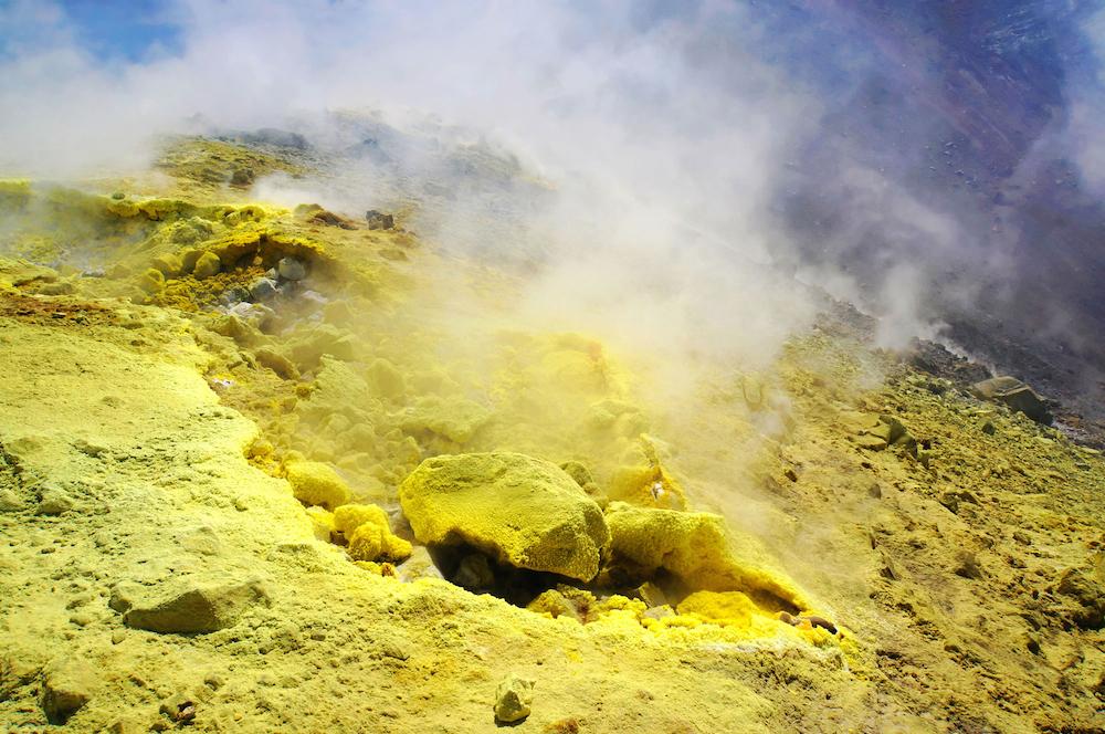 Svovludvinding - udsnit af  Sulfuric Gas Tableau  | Foto: Rosenmunthe & Von Platen.