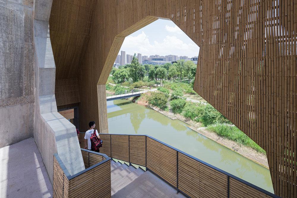 Amateur Architecture Studio (Kina): Wa Shan Guesthouse / China Academy of Art Xiangshan Campus, Hangzhou, Kina, 2013. Foto: Iwan Baan.