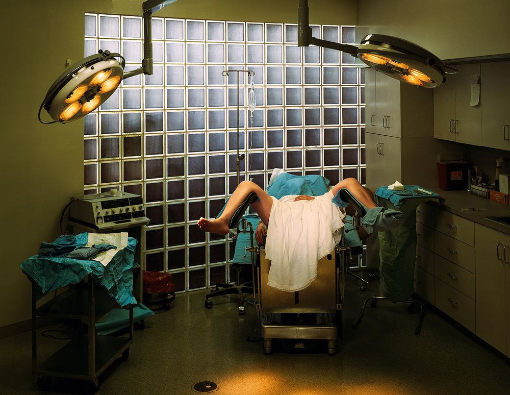 Taryn Simon, An American Index of the Hidden and Unfamiliar, 2007. Hymenrekonstruktion. Cosmetic Surgery, P.A. Fort Lauderdale, Florida. Archival inkjet, 94,6 x 113 cm.