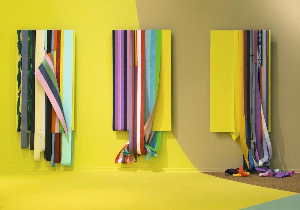 """Ingrid Kæseler """"Circle, Accumulation # 1, 2, 3, yellow"""", 2014.Akryl på aluminium og nylon, 250x100x50 cm. Tilhører kunstneren."""