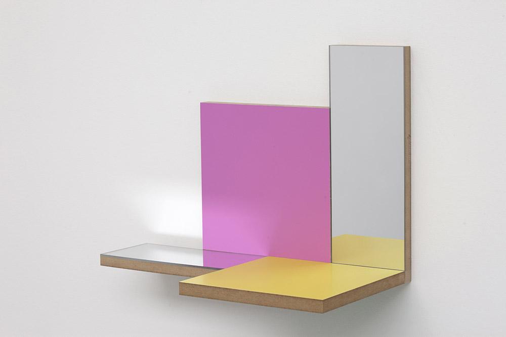 Peter Holm, Unfolded Paintings, 2015. Serie objekter i lakeret Mdf. Fotograf: Erling Lykke Jeppesen.