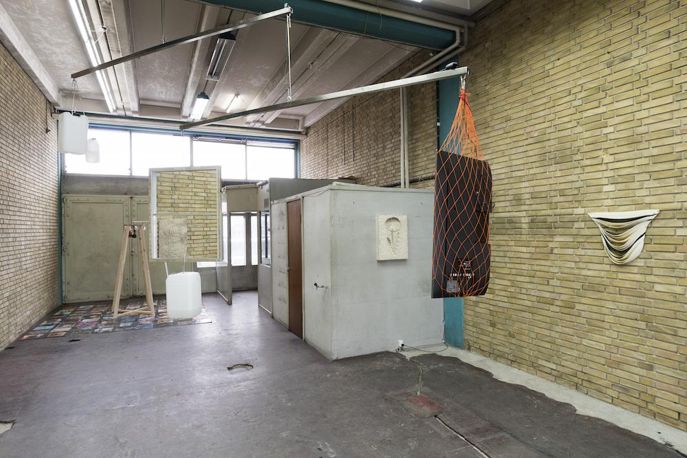 """FLESH"" på RØM (installation view)."