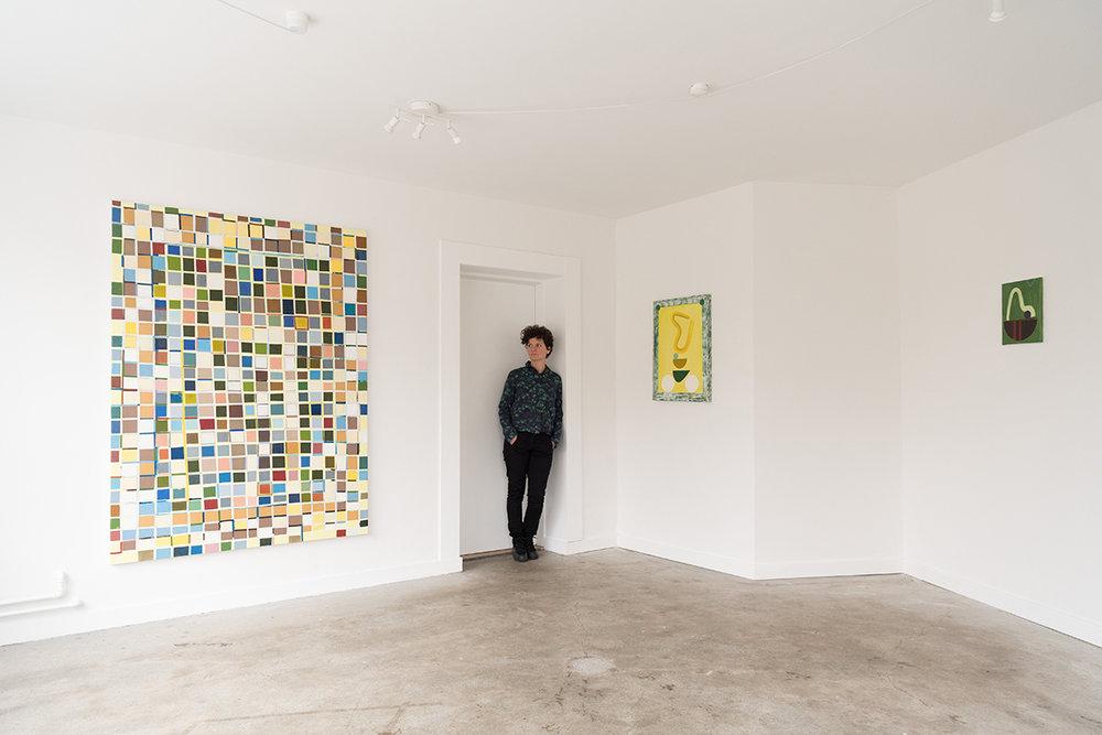 """View """"Closed stroke is a shape"""". Titel på store værk : Sense of square / olie på lærred 185 x 135 cm. Foto: Benthe Foged Madsen."""