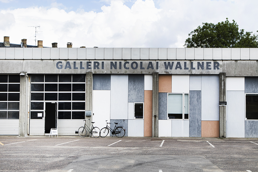 "Galleri Nicolai Wallner   ""The gallery works with a diverse group of artists all working in different media. Accordingly, the artists are defined as a group not as much by a shared aesthetic but more by a common wish to express a content, tell a story and set a mark in an otherwise fluctuating world.""   Adresse:  Glentevej 47-49, 2400 København NV.  Links:   Nicolaiwallner.com  