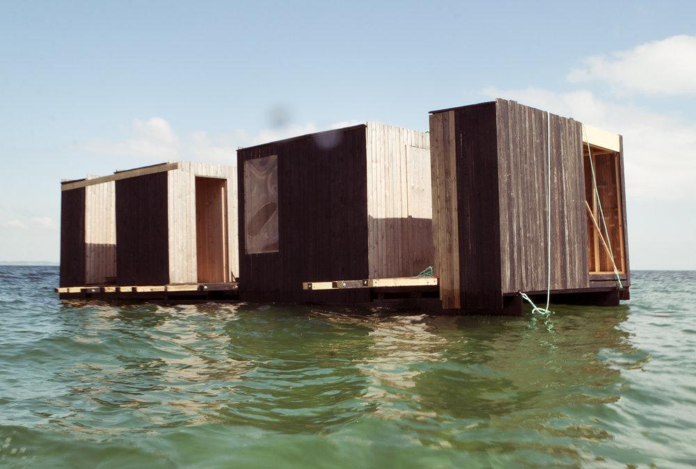 """Rintala Eggertsson Arkitekter, """"Flydende Badepavillon 'Pyr'"""". Foto © I DO ART Agency."""