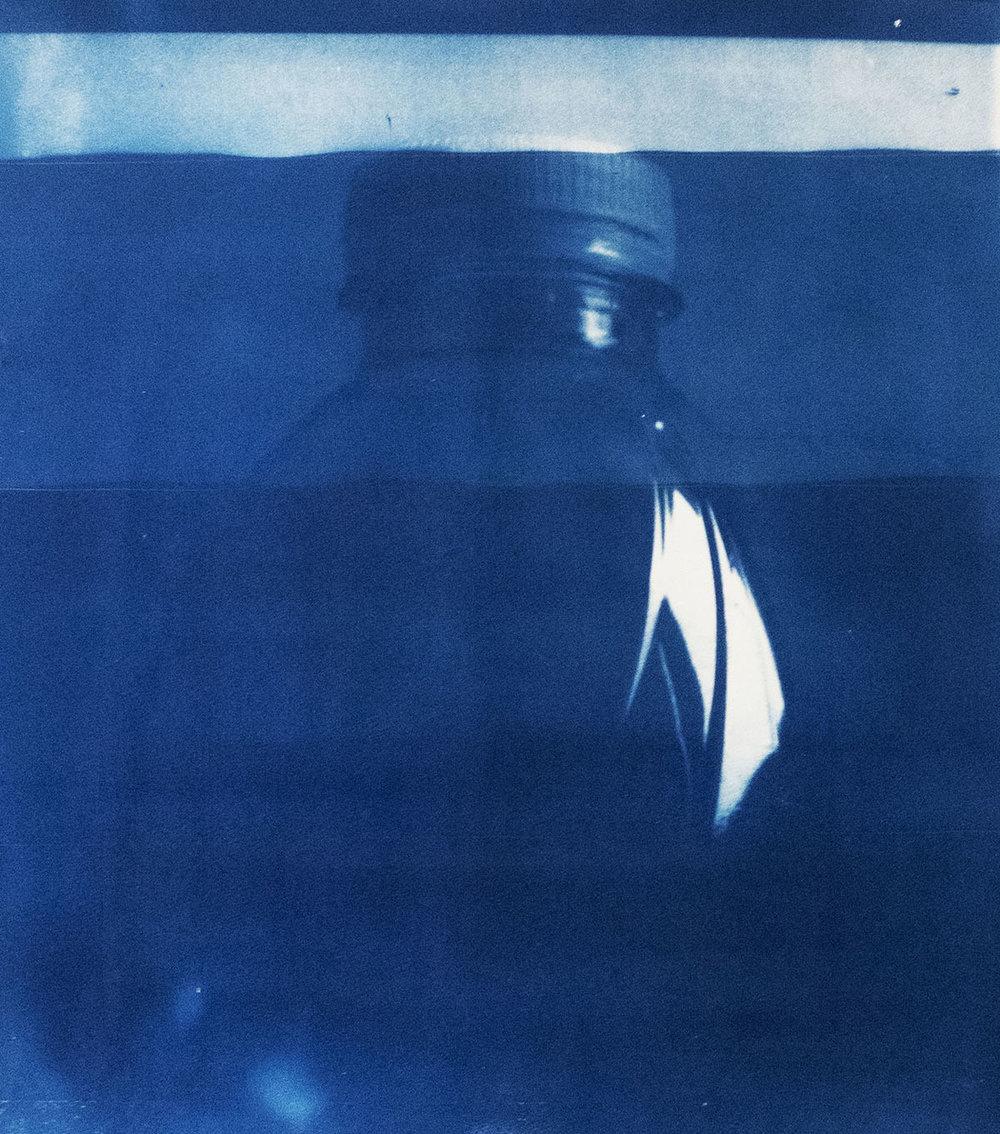 Emilie Lundstrøm, Plastic bottle I, 59 x 42 cm, 2018.