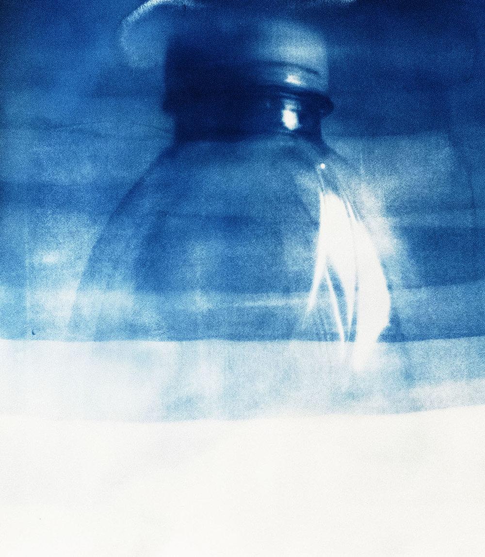 Emilie Lundstrøm, Plastic bottle III, 59 x 42 cm, 2018.