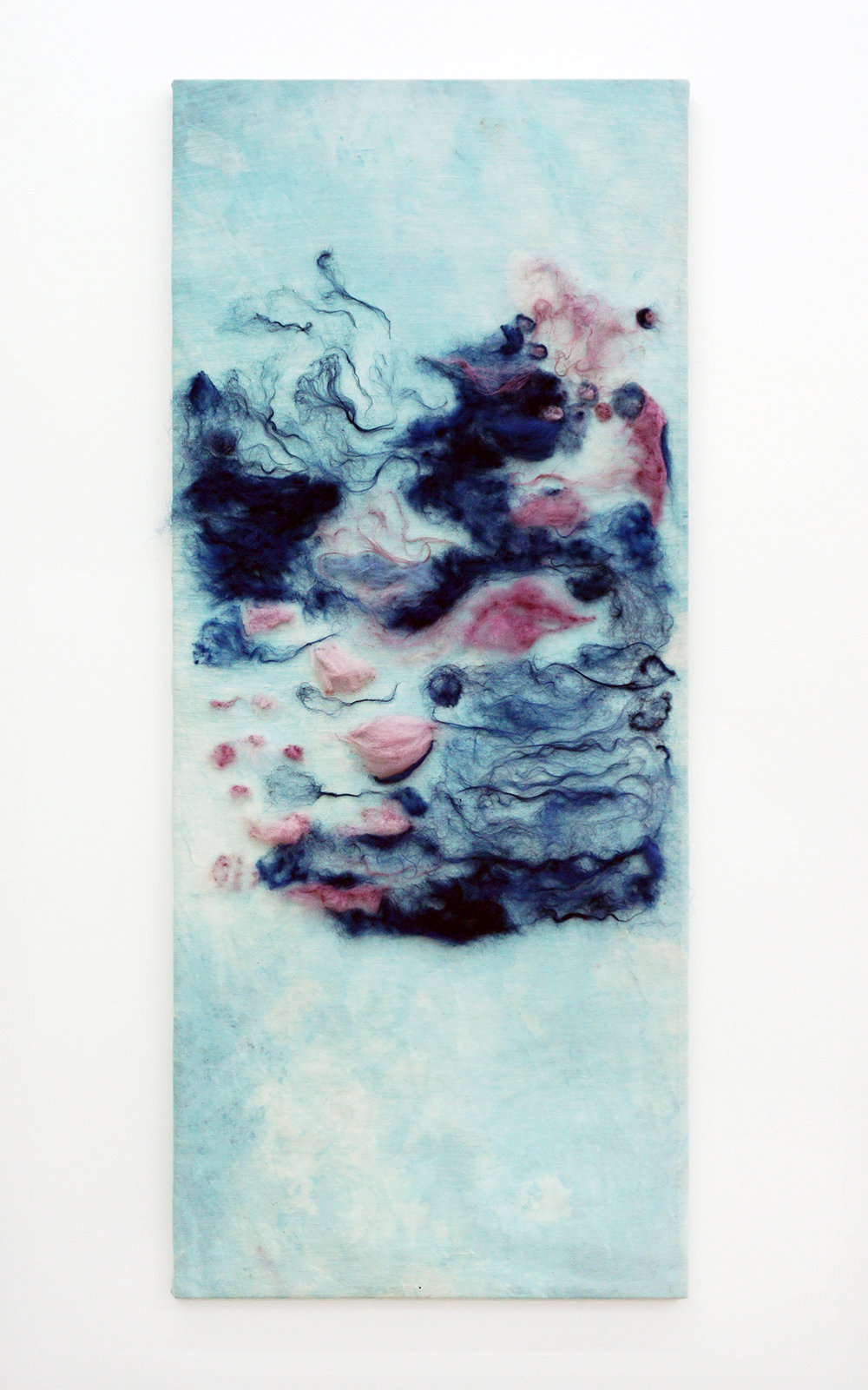 Julie Lænkholm, Untitled 9, 2018 (Japanese indigo, central American indigo, Cochineal, wool, iron, and silk, 175x75cm).