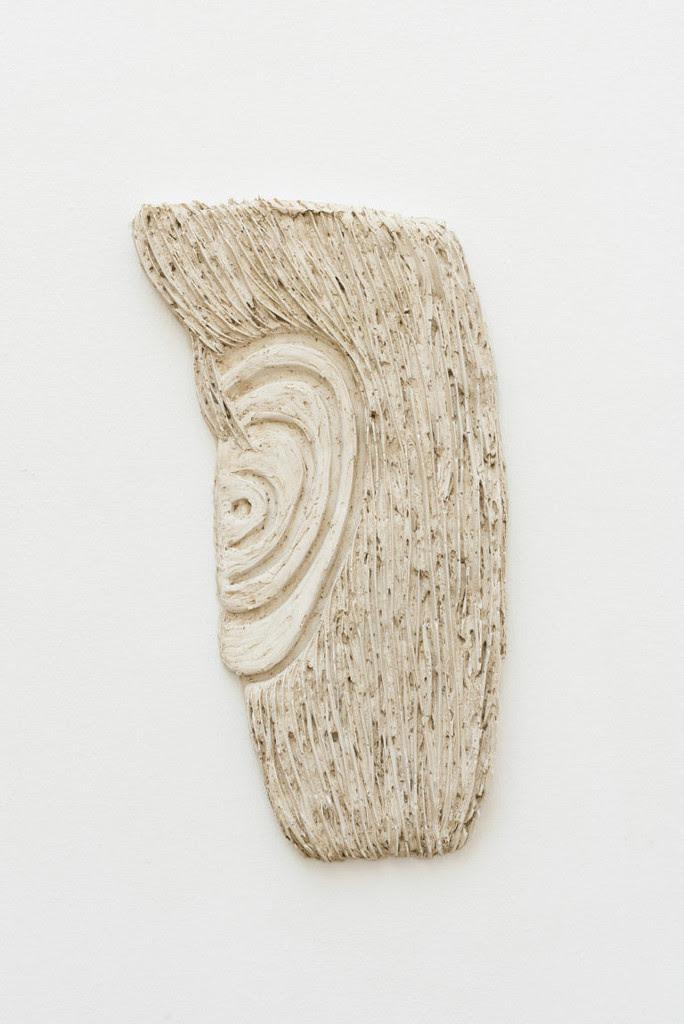 Lydia Hauge Sølvbjerg: Tegnet Øre, 2017, Plaster, casted in clay, 48 x 25 x 3,5 cm. Photo: David Stjernholm. Courtesy Bianca D' Alessandro.