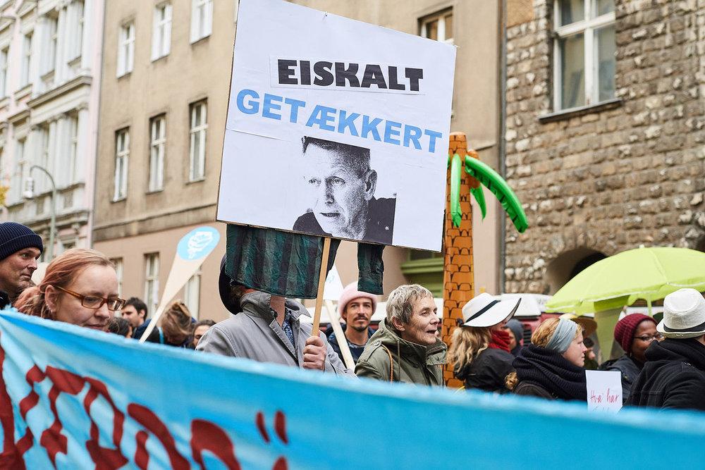 """Eiskalt getækkert. Fra demonstrationen """"Eis-Parade"""" d. 26. oktober 2018. Foto: Matthias Wehofsky."""