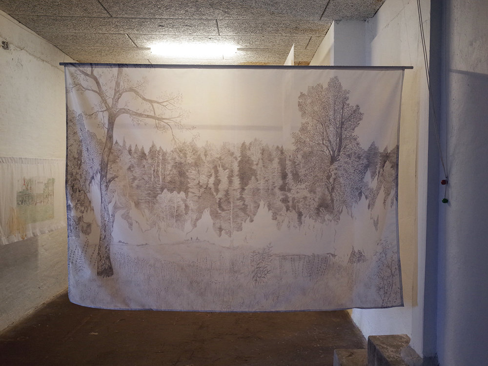 """Isabel Theselius """"Phantom Fire,"""" 2018  (graphite drawing printed on fabric). Foto: Marko Cesarec."""
