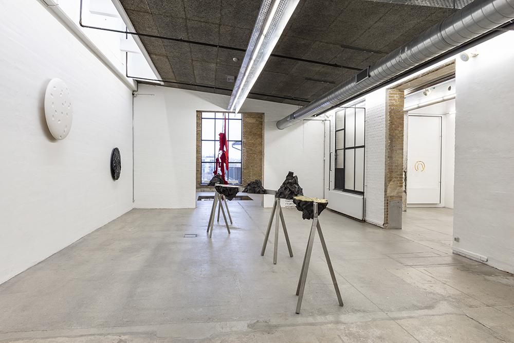 Morten Stræde og Frederik Stjernfelt, Haiku til Höeck. Installationsview, Kunsthal NORD. Foto: Niels Fabæk.