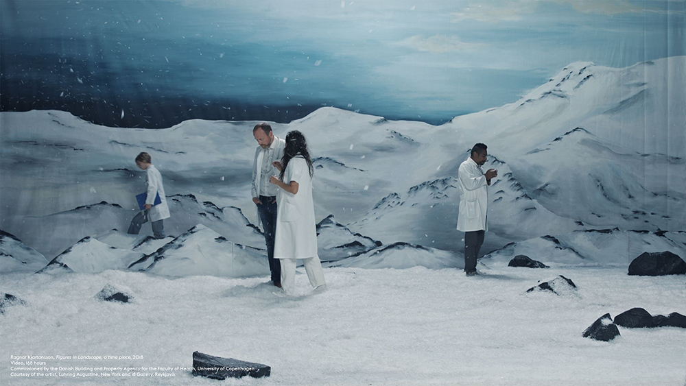 Ragnar Kjartansson, Figures in Landscape, a time piece, 2018. Video, 168 hours Commissioned by the Danish Building and Property Agency for the Faculty of Health, University of Copenhagen. Courtesy of the artist, Luhring Augustine, New York and i8 Gallery, Reykjavik.