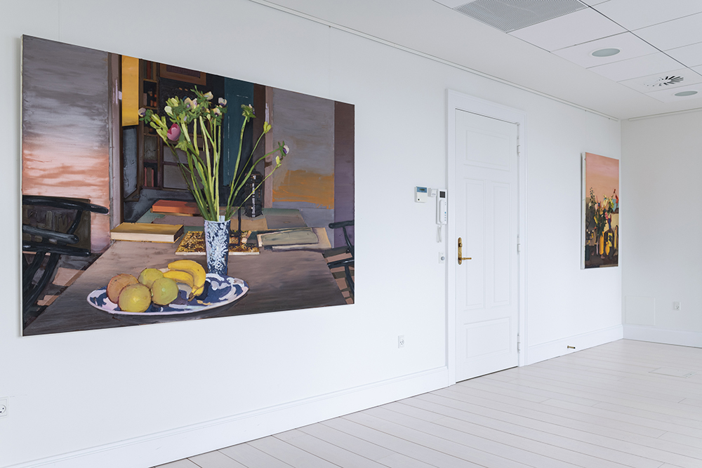 Erik A. Frandsen, Stilleben 4, 2018 (olie på lærred, 135x200 cm) og Stilleben 3, 2018 (olie på lærred, 125x84 cm). Foto: Andreas Bastiansen.