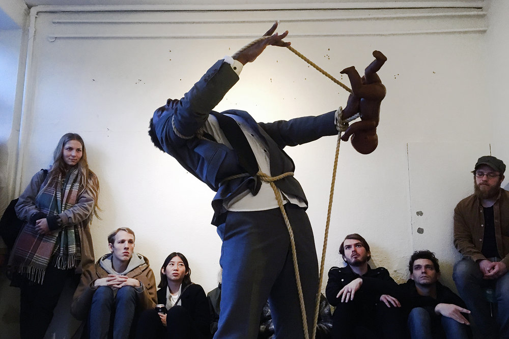 Sandro Masai, BOND(s). (Detail from the performance). Photo: Scott William Raby & Rikke Ehlers Nilsson.