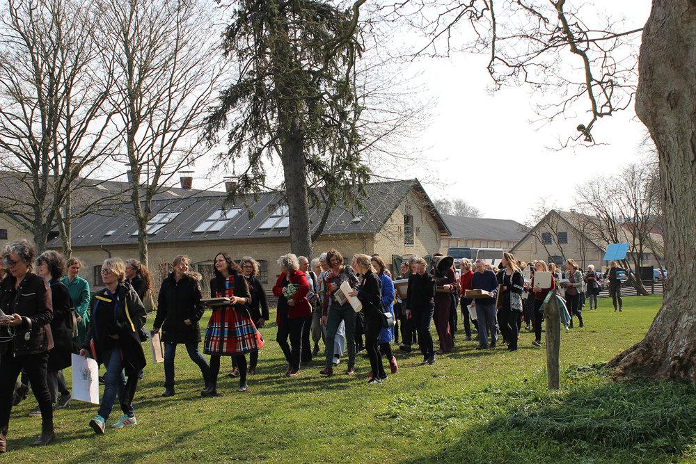"""Aktionen """"Solidaritet� på åbningsdagen, 6. april. Foto: Rønnebæksholm."""