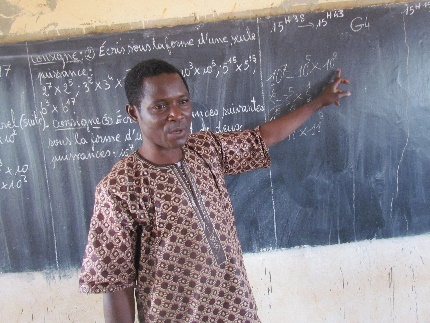 Mali Rising teachers work hard under tough circumstances -- too few textbooks, too many students, too many lanugage barriers. They deserve as much help as we can provide.