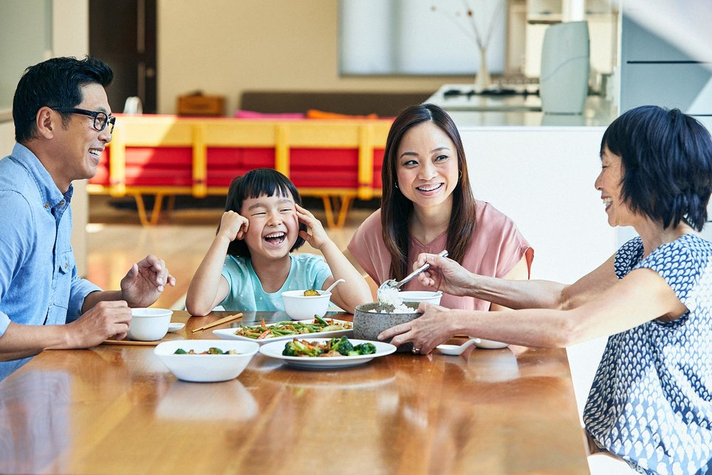An image illustrating that you can have more family time when you are an independent business owner.
