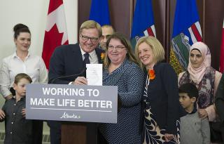 Photo by https://www.flickr.com/photos/premierofalberta/, license information at https://creativecommons.org/licenses/by-nd/2.0/
