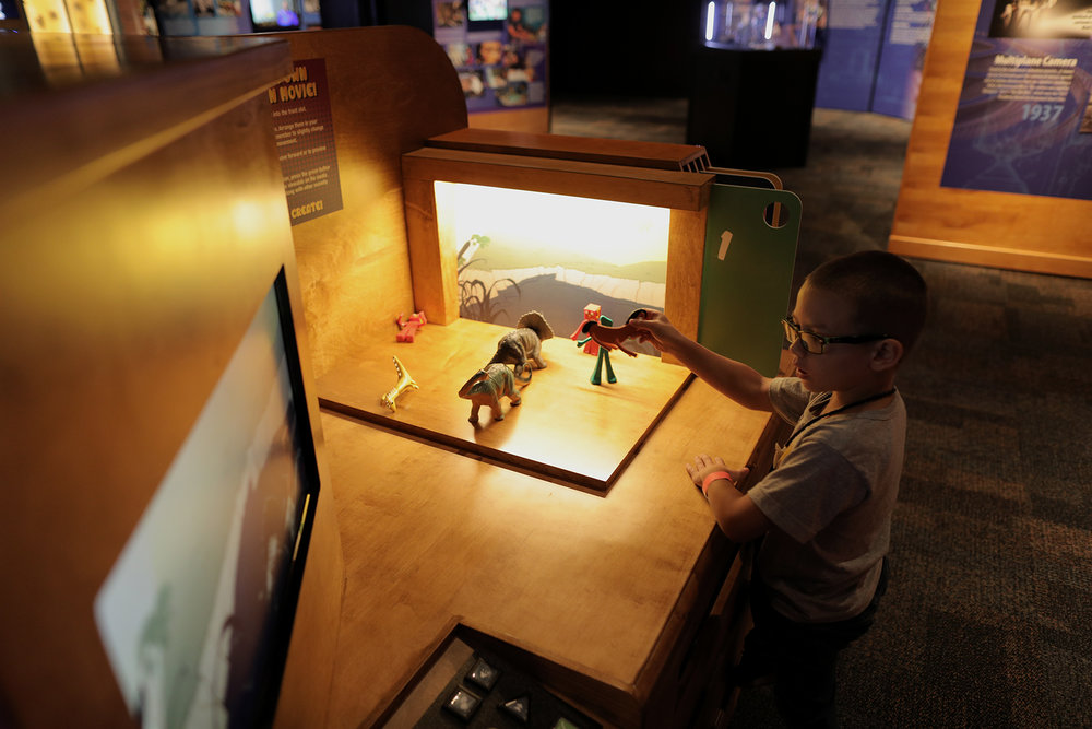 Visitor with Stop-Motion station.jpg