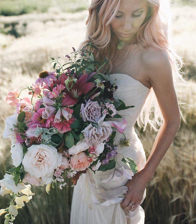 One more look. 📷: @j.pmedia @pj16 @josiepayne  P.A. :@bandalf #bridalbouquet #flowers #flowerstagram #growfloret #marthaweddings #imsomartha #marthablooms #gardenstyle #gardengathered #underthefloralspell #inspiredbypetals #vscoflowers #livinglifewithflowers #weddinginspo #sobridaltheory #stylemepretty #theknot #verawang #flowerpower #flowermagic #flowerlove #instablooms #instaflowers #slowflowers #seasonalfloweralliance