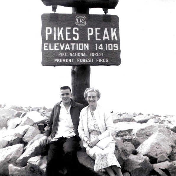 Photo by @drivepikespeak