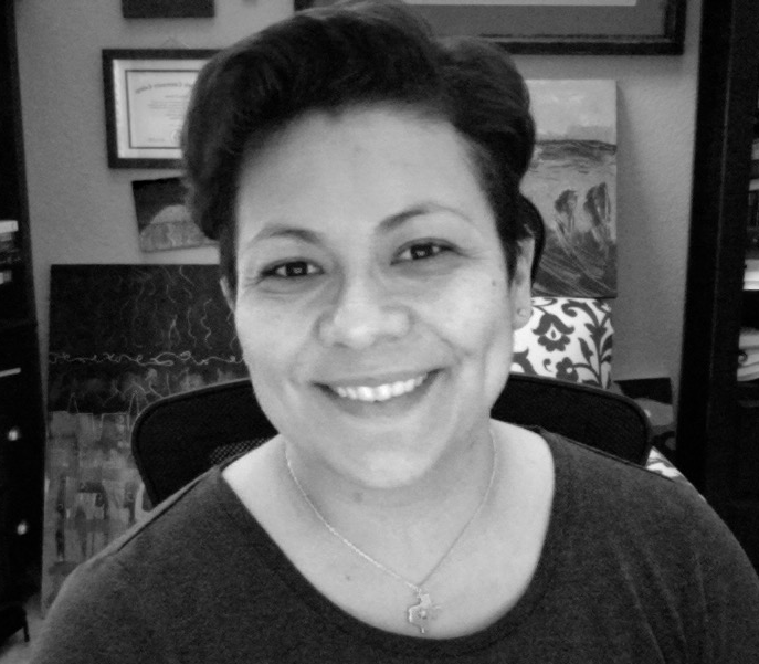 Elaine Torres  Digital Communications Consultant, Social Mind Media