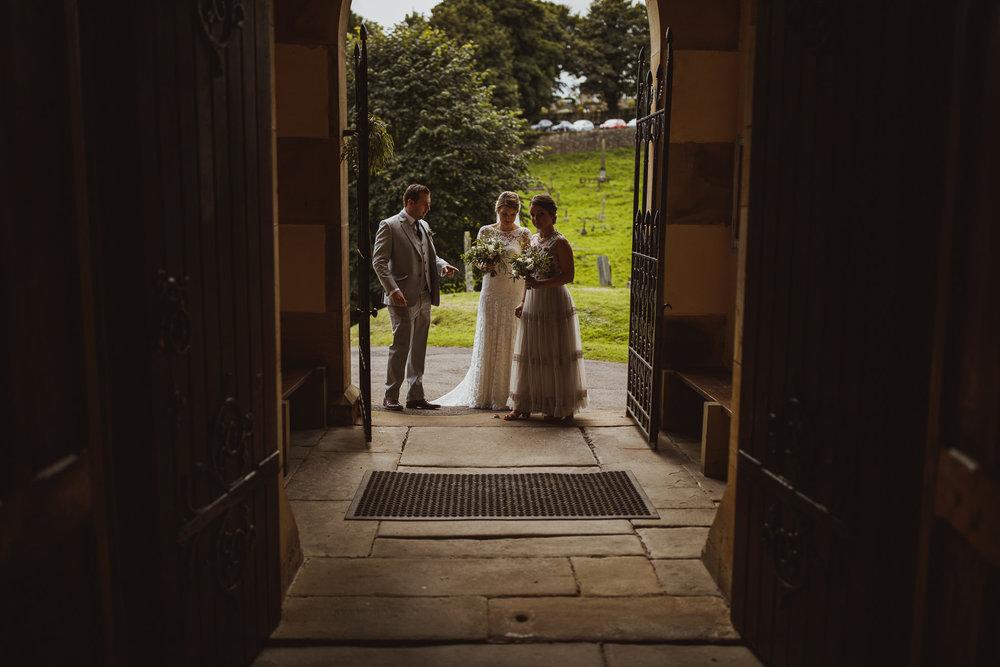 blue_lion_yorkshire_wedding_photographer-41.jpg
