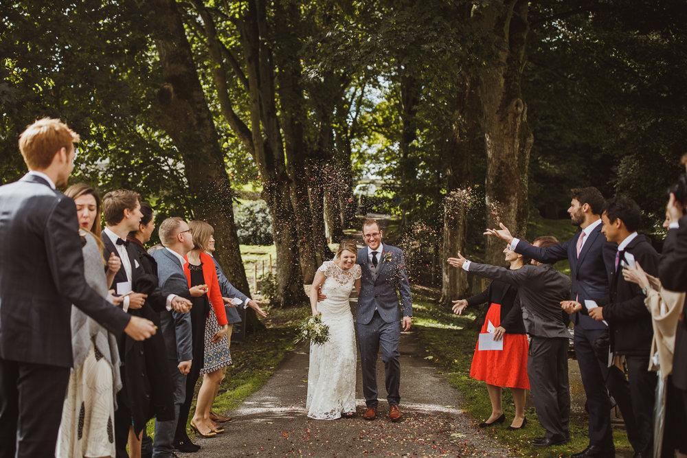 blue_lion_yorkshire_wedding_photographer-49.jpg