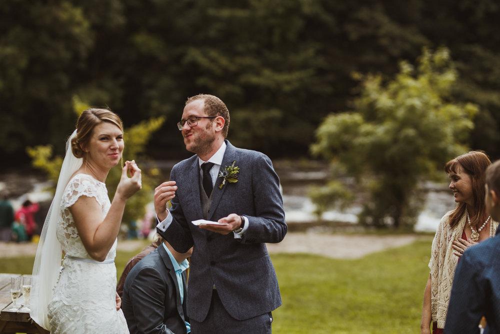 blue_lion_yorkshire_wedding_photographer-60.jpg