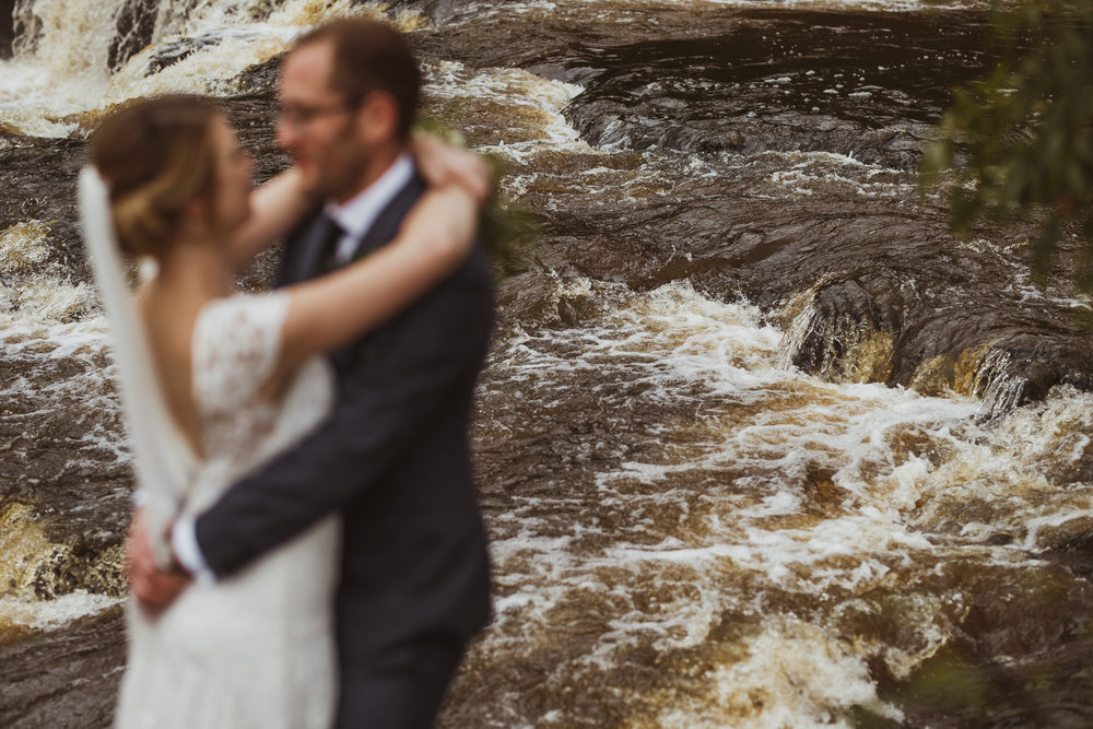 blue_lion_yorkshire_wedding_photographer-65.jpg
