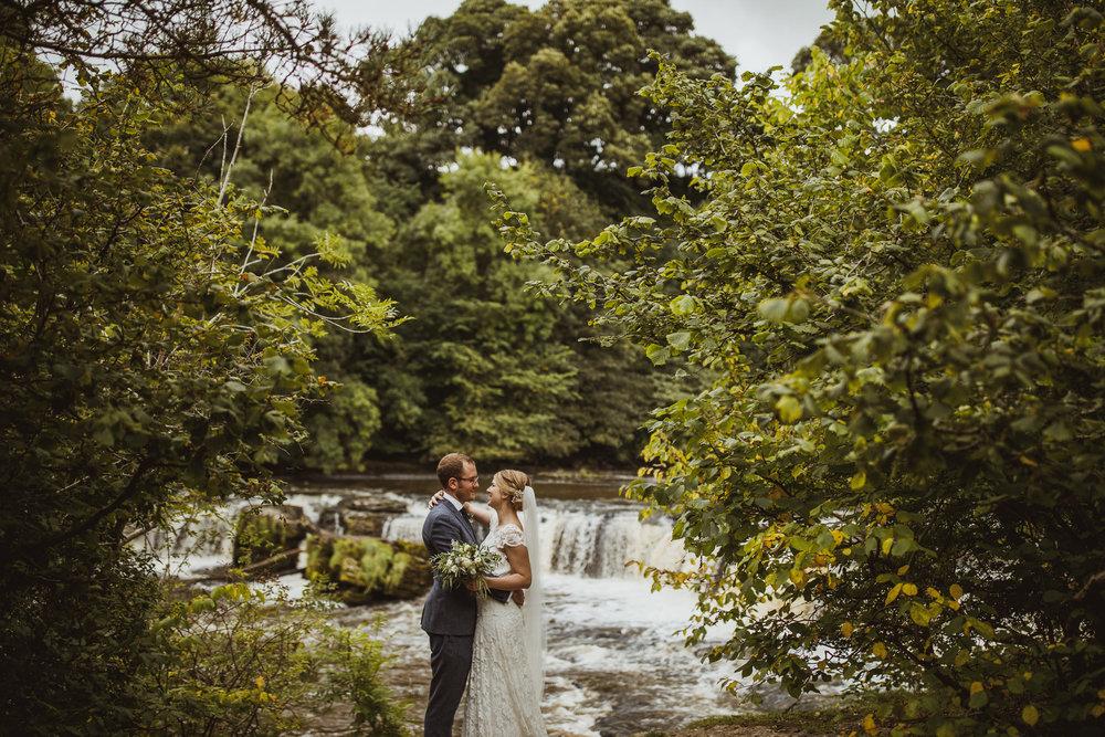 blue_lion_yorkshire_wedding_photographer-66.jpg