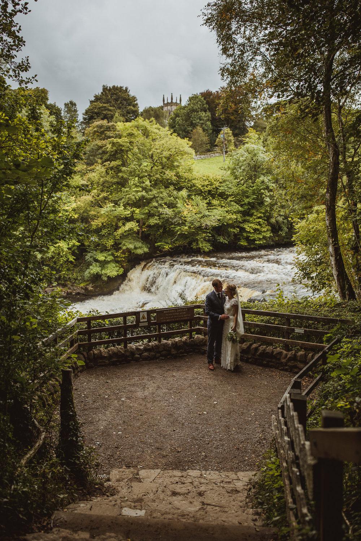 blue_lion_yorkshire_wedding_photographer-67.jpg