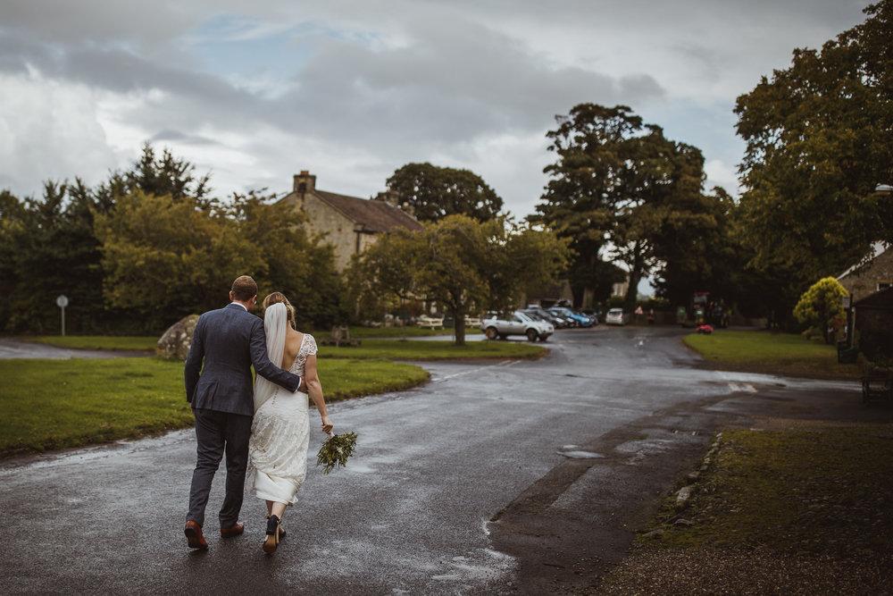blue_lion_yorkshire_wedding_photographer-77.jpg