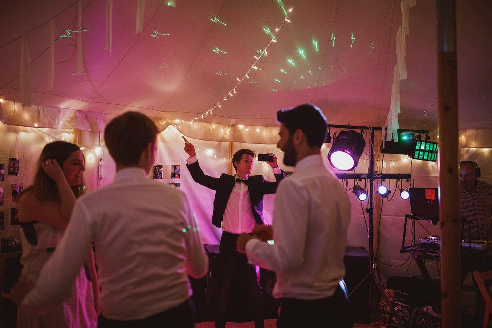 blue_lion_yorkshire_wedding_photographer-116.jpg