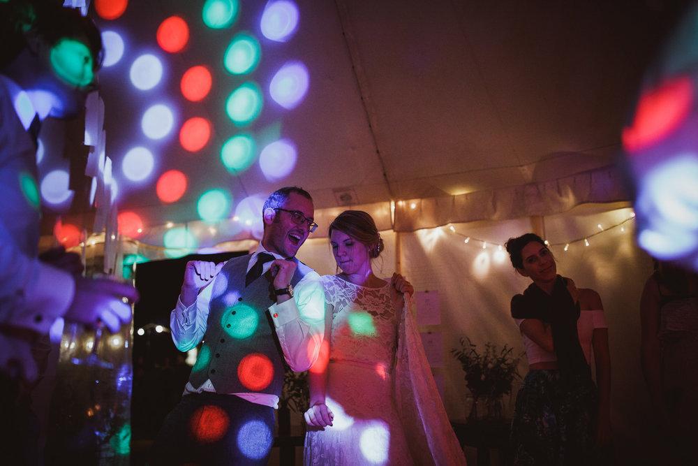blue_lion_yorkshire_wedding_photographer-125.jpg