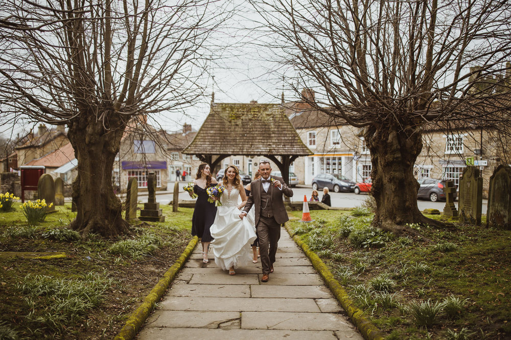 black_swan_helmsley_wedding_photographer-24.jpg