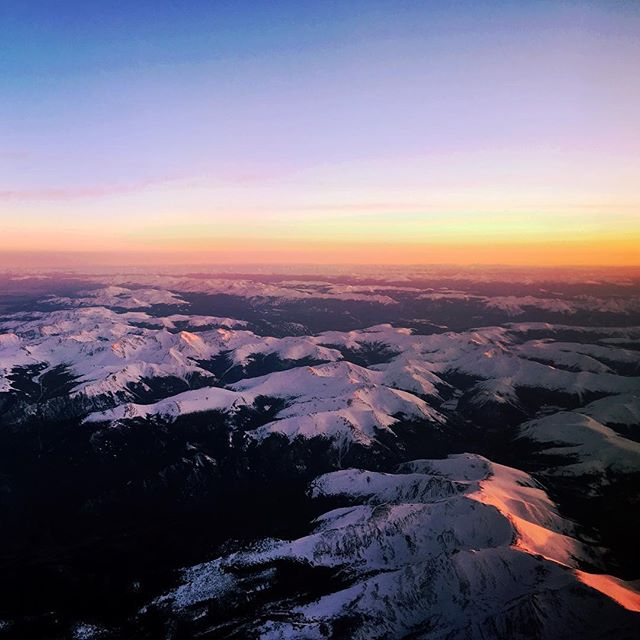 Flying westward in search of a place to land my tiny home. A breathtaking view to begin my journey. #colorado #snowcapped #rockymountains #coloradosky #coloradorockymountainhigh #catchingfeelings #tinyjourney #turningtiny #tinyhousejamboree #judyblueeyes #tinyjudyblueeyes #judyblueeyestinyhome #tinyhome #simblissitytinyhomes #tinyhomecommunity #sunset #coastin #adventureawaits #californiadreamin #airplane #thow #wheretolandyourtiny #planahead #nature #mountainscape #airplanephotos #airplane_pics #tinyhousetribe #Girlslovetravel #GLT